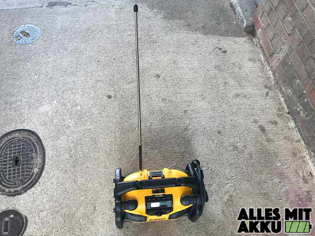 Baustellenradio Test DeWalt DCR017 Antenne
