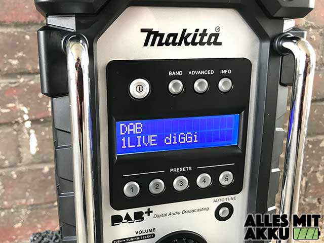 Makita DMR110 Display