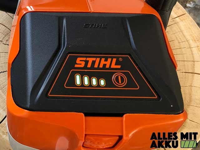 Akku Kettensäge Test Stihl MSA140C Akkustandsanzeige