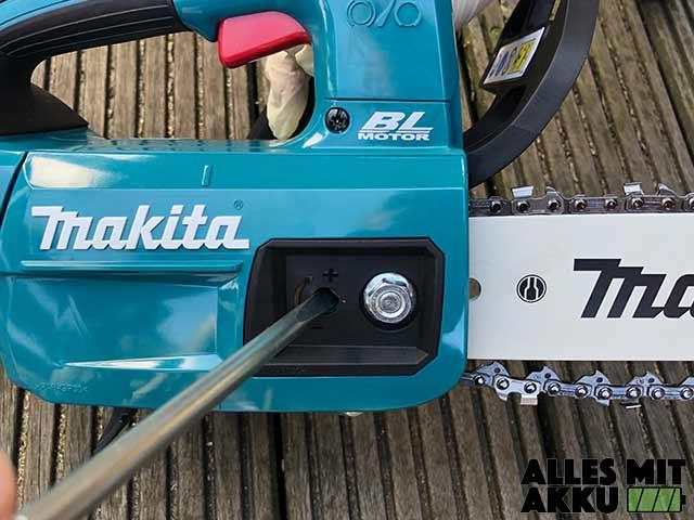 Makita DUC254Z Kette Spannen