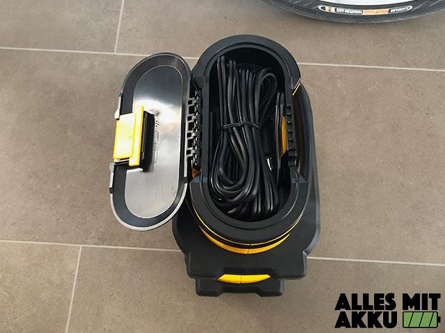 Dewalt DCC018N Test Kabelfach