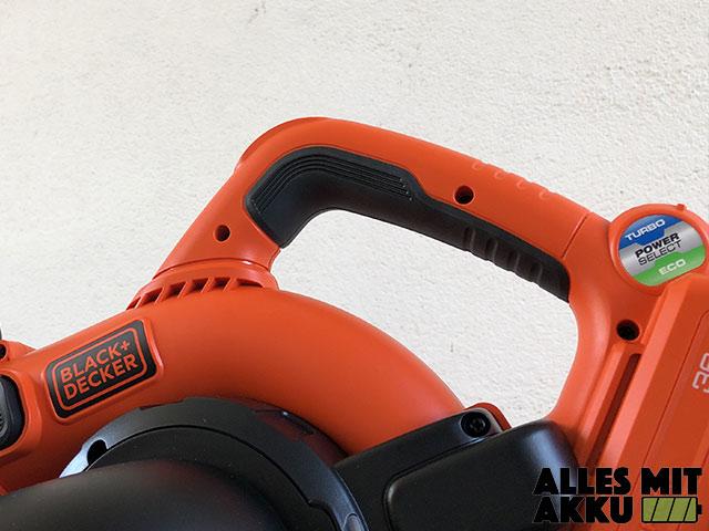 Akku Laubsauger Test Black+Decker GWC3600L20 Griff