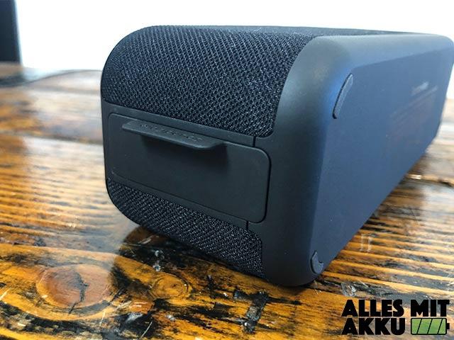 Anker SoundCore Boost Test - Anschlüsse geschützt