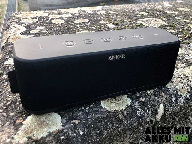 Anker SoundCore Boost Test - Draußen