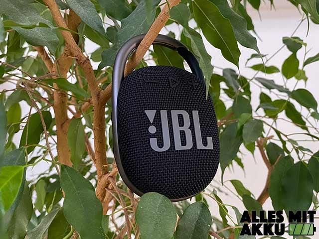 JBL Clip 4 Test - Outside