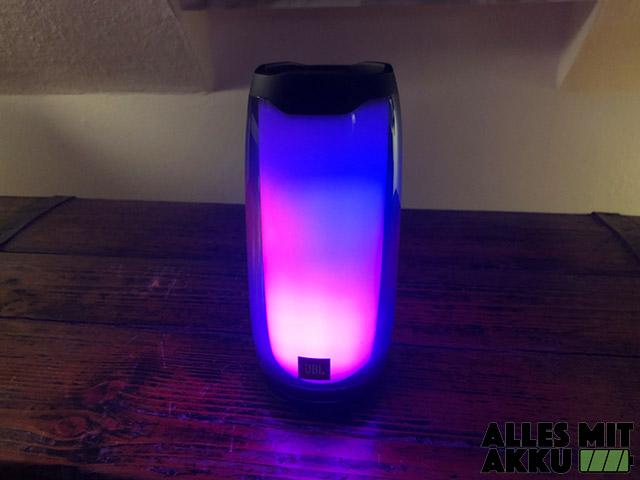 JBL Pulse 4 Test - Beleuchtet
