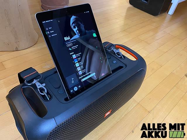 JBL PartyBox On-The-Go Test - iPad