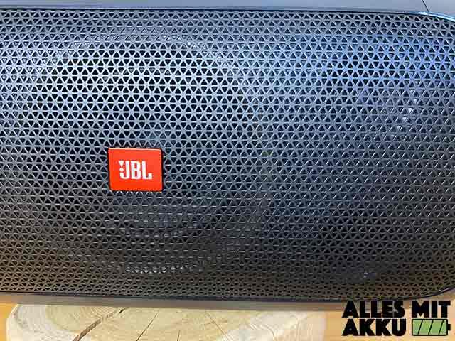 JBL PartyBox On-The-Go Test - Lautsprecher