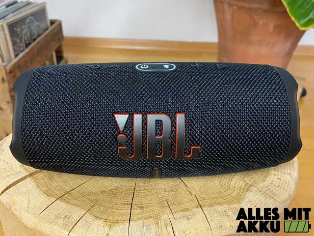 JBL Charge 5 Test - Front